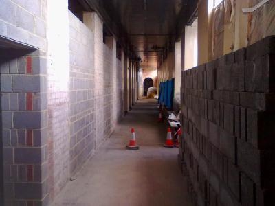 Corridor l